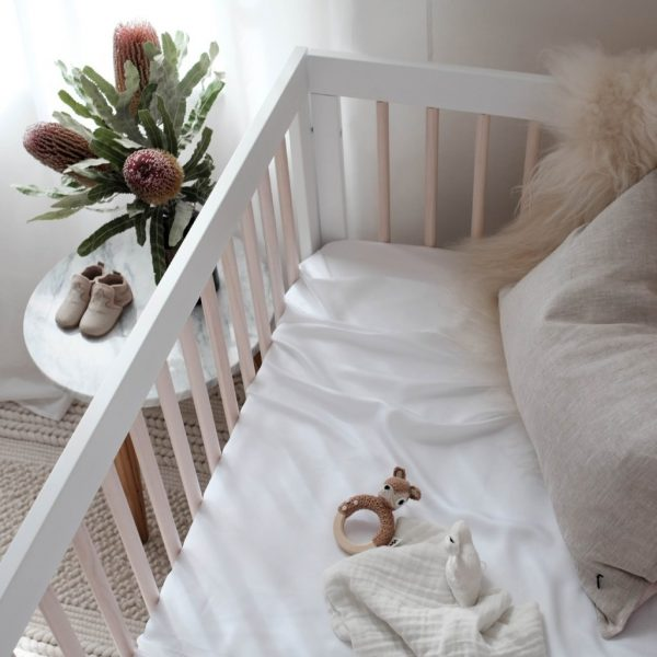 Bamboo cot sheet - white